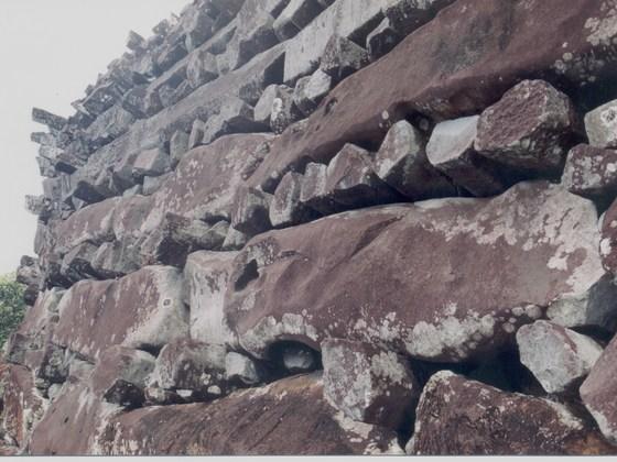 Massive Mauern