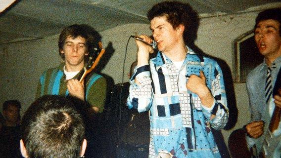 Live in Bremen im Schlachthof 10.04.1982.
